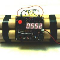 upvoted.top:Novelty Defusable Bomb Alarm Clock / Bomb-like Alarm Clock